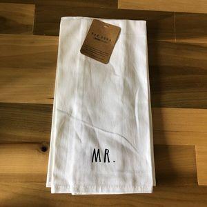 Rae Dunn Towel Set Mr / Mrs